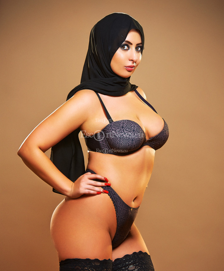 Images, Pictures And Photos Of Beautiful, Sexy And Hot Iranian Girls